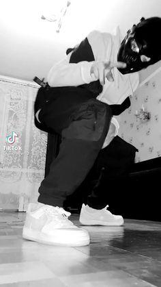 Break Dance Video, Hip Hop Dance Videos, Dance Music Videos, Choreography Videos, Aesthetic Grunge, Aesthetic Girl, Cool Dance Moves, Dance Sing, Jersey Boys