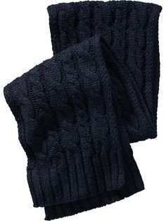 Men's Cable-Knit Scarves Product Image