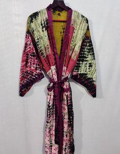 Festival Clothing, Festival Outfits, Luxury Nightwear, Bohemian Kimono, Tie Dye Fashion, Cotton Kaftan, Tulip Skirt, Tie Dye Outfits, Dressmaking Fabric