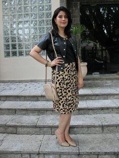 Saia midi com estampa de oncinha. Animal ptint (leopard) midi skirt. http://www.elropero.com/2015/01/fashion-set-saia-midi-estampa-de-oncinha.html