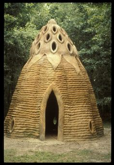 Moon to Moon: Unusual Homes from around the World.Ceramic Sculpture Home by Laurie Spencer. Vernacular Architecture, Organic Architecture, Amazing Architecture, Architecture Design, Water Architecture, Pavilion Architecture, Minimalist Architecture, Architecture Portfolio, Residential Architecture