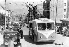 TROLEBUS EN LA AVENIDA DE LA ALBUFERA - 1955 Foto Madrid, Barcelona City, Photo B, Vintage Images, Train, San Bernardo, 1975, Portugal, Nostalgia