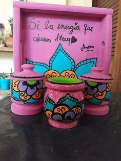 Painted Flower Pots, Painted Pots, Hand Painted, Diy Furniture Making, Diy And Crafts, Crafts For Kids, Flower Pot Crafts, Decoupage Art, Clay Pots