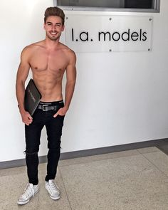 Male model Dima Gornovskyi is a part of the LA Models family now  took some fresh digitals & excited for the future.