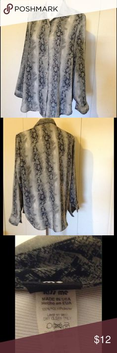💥 BUNDLE SALE 💥 Python  Blouse✨ 100% polyester very sheer button up collared long sleeve blouse. Great for summer with a tank or cami underneath😀 in excellent used condition with the last button missing only. Tops