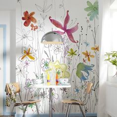 Soap bubbles and floral spots of colours create variegated glimmers of light.