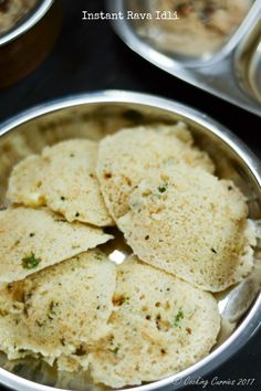Instant Rava Idli - A South Indian Breakfast Recipe - Cooking Curries Make Ahead Breakfast, Breakfast For Dinner, Breakfast Dishes, Breakfast Options, Indian Snacks, Indian Food Recipes, Healthy Recipes, Indian Foods, Vegetarian Recipes