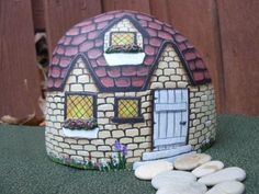 Painted Rock House by inkspired musings . She shows several examples, recommends Lin Wellford books. Pebble Painting, Pebble Art, Stone Painting, House Painting, Rock Painting, Stone Crafts, Rock Crafts, Diy And Crafts, Painted Rocks Craft