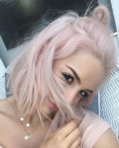 Ideas For Hair Styles Party Hairlook – - Beauty New Light Pink Hair, Pastel Pink Hair, Pastel Bob, Baby Pink Hair, Pink Blonde Hair, Purple Hair, Hair Lights, Long Hair Video, Cut Her Hair