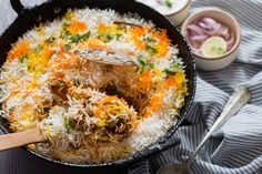 Chicken Dum Biryani is ever green classic dish and the most popular rice dish in India. Layers of rice and meat cooked with it's own steam pressure until rice is fluffy and meat cooked just to perfection. Chicken Dum Biryani Recipe, Chicken Masala, Cooking Basmati Rice, Indian Food Recipes, Ethnic Recipes, Eastern Cuisine, Easy Chicken Recipes, Chicken Receipe, Rice Dishes