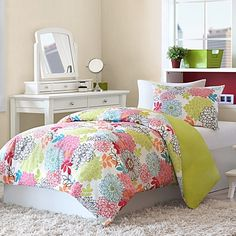 Emily Twin Reversible Duvet Cover and Sham Set