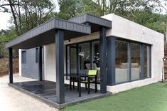 moderne häuser von casas cube - Haus - Home Design Architecture Design, Sustainable Architecture, Prefabricated Houses, Tiny House Cabin, Modular Homes, Modern Prefab Homes, Modern House Design, Beautiful Homes, Building A House