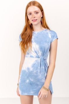 Fawn Tie-Dye Dress Piece Of Clothing, Clothing Items, Tie Dye Dress, Ten, Hair Jewelry, Chambray, Fashion Forward, Blue Dresses, Looks Great