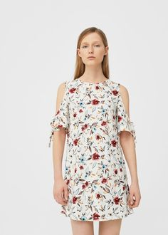 Kleid mit Schleife und Cut-out