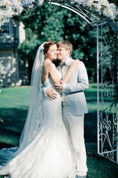 Powder blue wedding | Anastasiya Belik Photography | http://burnettsboards.com/2013/12/powder-blue-white-wedding/
