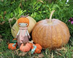 The pumpkin family enjoys Sunday ✌  Pumpy the pumpkin pattern on my etsy shop  Little pumkins patterns coming soon