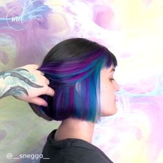 Trendfrisuren William, akkurater Mittelscheitel oder This particular language Minimize Kick the bucket Frisurentrends 2020 Peekaboo Hair Colors, Hair Color Purple, Hair Dye Colors, Cool Hair Color, Peekaboo Highlights, Teal Hair Highlights, Peacock Hair Color, Purple Hair Streaks, Oil Slick Hair Color