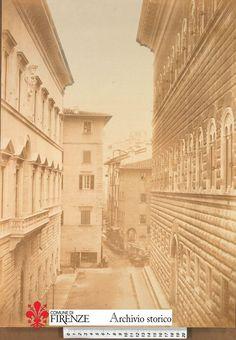 1880: Via Tornabuoni & Via Strozzi (on your right Palazzo Strozzi)