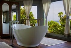 Deep Soaking Bathtub with a view in the Maldives!