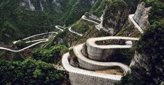 These dangerous roads will get the adrenaline pumping. Tianmen Mountain, Dangerous Roads, Reserva Natural, Travel News, Travel Info, Natural Wonders, Amazing Nature, Scary, Viajes