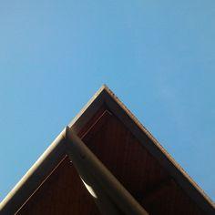 El sostre del mercat de Santa Caterina. Tot i les característiques ondulacions de la teulada també hi ha línies rectes #embt #MercatSantaCaterina