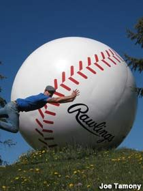 Sault Ste. Marie, ON, Canada - World's Largest Baseball
