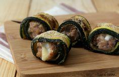 Spiedini di zucchina ripieni di salsiccia (Skewers of zucchini stuffed with sausage)