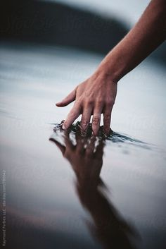 Elegant Hand In Maine Lake Water Stocksy United By Raymund Forbes photography Water Lake Photography, Creative Photography, Travel Photography, Passion Photography, Photography Ideas, Hand Fotografie, Photo Main, Water Aesthetic, The Last Summer