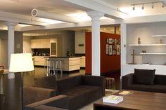 Living-and-Kitchen-Room-view-of-Loft-Apartment-in-New-York-City-by-Bonetti-Kozerski-Studio.jpg (580×387)