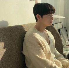 Cha Eunwoo Astro, Astro Boy, Cha Eun Woo, K Pop, Grunge, Lee Dong Min, Man Crush Monday, Room Pictures, Aesthetic Vintage