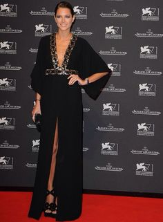 Helena Bordon -That dress is stunning! She looks beautiful ~ Sexy Dresses, Fashion Dresses, Formal Dresses, Red Carpet Dresses, Elegant Outfit, Mode Inspiration, Party Fashion, Beautiful Gowns, The Dress