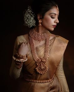 Indian Bridal Jewelry Sets, Indian Bridal Outfits, Indian Bridal Fashion, Indian Fashion Dresses, Indian Designer Outfits, Bridal Jewellery, South Indian Wedding Saree, Indian Bridal Sarees, Wedding Saree Collection