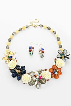 Pretty floral necklace and earrings.