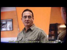 EL barbero Dios no existe Bilingue / The barber God does not exist Bilingual - YouTube