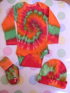 ON SALE. Tie dye baby onesie set with matching by GroovyElegance8, $20.00