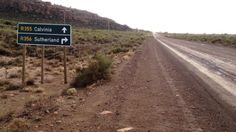 Karoopoort Pass The northern exit of the poort Trygve Roberts Mountain Pass, Wide World, Pilgrim, South Africa, Zero, Beautiful Places, Southern, Country Roads, Landscape