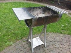 grill metalicheskoj of the barrel with your hands