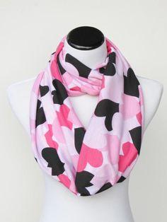 Hearts infinity scarf pink black Valentines #scarf #infinityscarf #hearts #heartsscarf #pinkheart #valentine #valentines #valentinesday #valentinesscarf #accessory #accessories #valentinegift #HappyScarvesByLesya by HappyScarvesByLesya