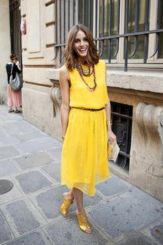 Olivia Palermo attends the Giambatista Valli Haute Couture Fall/Winter show as part of Paris Fashion Week at Galerie De La Madeleine on July 2011 in Paris, France. Olivia Palermo Stil, Olivia Palermo Lookbook, Street Look, Spring Street Style, Fashion Week Paris, Fashion Weeks, Milan Fashion, Outfits Damen, Mellow Yellow
