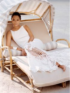 Coastal Style: Resort Chic in Cool White Estilo Resort, Glamorous Chic Life, Plum Pretty Sugar, Fru Fru, Slice Of Life, Fashion Moda, Fashion 2018, Style Fashion, Coastal Style