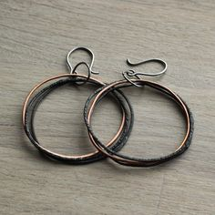 Copper ombre rings drop hoop earrings - Chandelier earrings- Dangle earrings - 0.8mm - Unique - Titanium earrings - Delicate - Statement - Rustic hoops https://etsy.me/2vhYh1M #jewellery #earrings #copper #boho #statementearrings #titanium