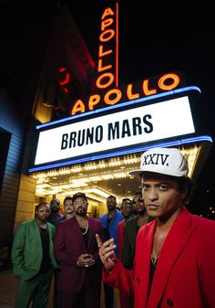 Watch: Bruno Mars' Magic: Live at the Apollo' CBS Concert Special [Full] Mars Wallpaper, Live At The Apollo, 24k Magic World Tour, Apollo Theater, Theatre, Remember The Time, Pop Singers, Michael Jackson, Music Artists