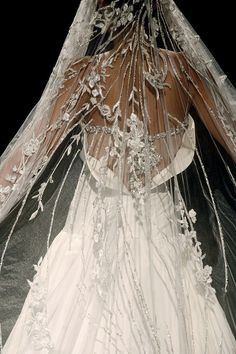 Stunning Wedding gown & veil