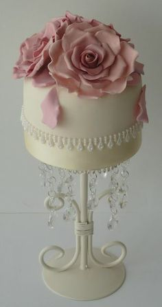 Roses Mini Cake - really like the cake stand as well :)