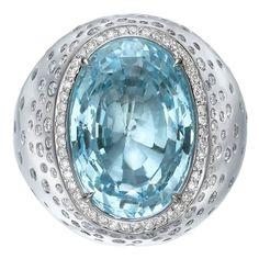 14.7 Carats Blue Topaz Diamond Gold Oval Ring