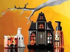 bath and body works Halloween. Love their Halloween collection.