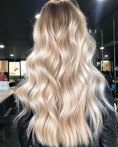 121 beautiful blonde balayage hairstyles – page 1 Hair And Harlow, Hair Pale Skin, Violet Hair, Creamy Blonde, Blonde Hair Looks, Blonde Balayage, Hair Highlights, Hair Day, Gorgeous Hair