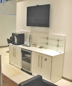 White coffee point with a high back, cooler, bin cupboard and additional storage. Small Office Design, Best Workplace, Tea Station, Tall Table, Business Centre, White Coffee, Cafe Design, Office Furniture, Double Vanity