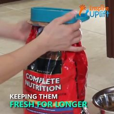 These ingenious Magic Bag Lids seal in the freshness of bagged foods, and you don't even have to remove the item from its original package. Cool Kitchen Gadgets, Kitchen Hacks, Cool Kitchens, Kitchen Decor, Top Gadgets, Kitchen Organization, Kitchen Storage, Kitchen Utensils, Kitchen Tools