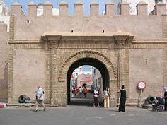 Bab el-Sebâa(Porte du Lion), est une porte fortifiée datant duxixesiècleet se situant à Essaouira, auMaroc. Elle fait partie des principales portes de l'actuelleenceinte de la médina d'Essaouira. Elle se situe dans la nouvelle partie de laKasbah d'Essaouira.